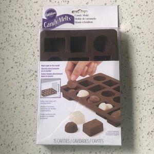 ⭐️Wilton Box of Chocolates Silicone Candy Mold